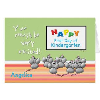 Cartão Primeiro dia de KindergartenMice e do conselho