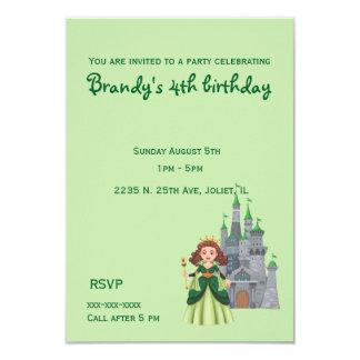 Cartão Princesa e castelo pequenos no aniversário verde