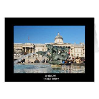 Cartão Quadrado de Trafalgar em Londres, Reino Unido
