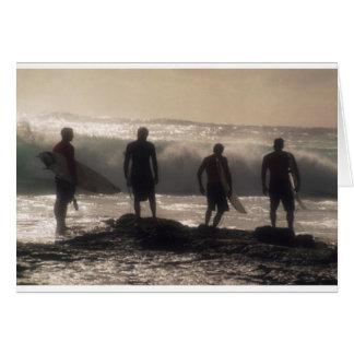 Cartão Quatro surfistas