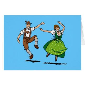 Cartão que dança o casal de Oktoberfest