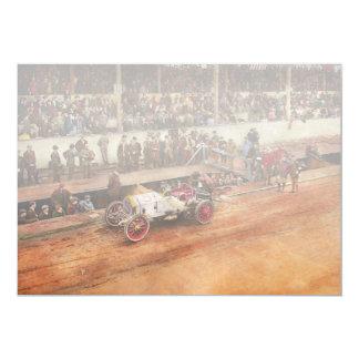 Cartão Raça de carro - competindo para obter o gás 1908