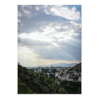 Cartão Raios de luz solar filtrados através das nuvens de