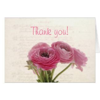 Cartão ranúnculo cor-de-rosa no obrigado do roteiro você