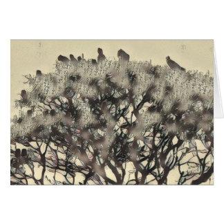 Cartão Rebanho dos pássaros em uma árvore