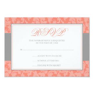Cartão Redemoinho cinzento e coral do damasco que Wedding
