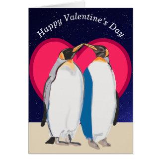 Cartão Rei pinguins e namorados vermelhos do coração