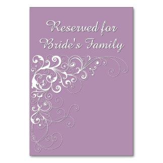 Cartão reservado violeta elegante da mesa do