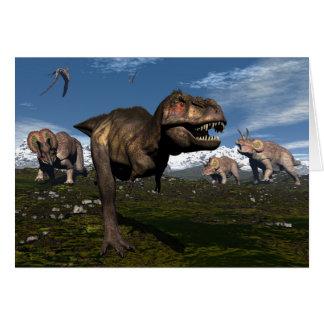 Cartão Rex do tiranossauro atacado pelo dinossauro do