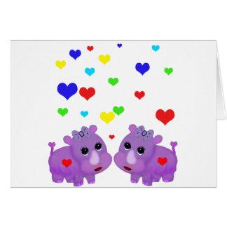 Cartão Rinoceronte bonito GLBT do coração do arco-íris do