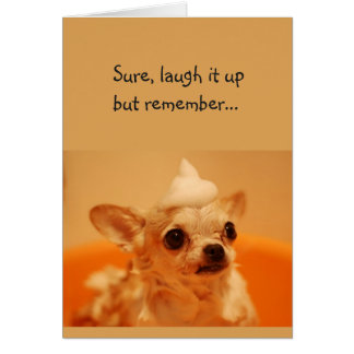 Cartão Riso do feliz aniversario ele acima do cumprimento