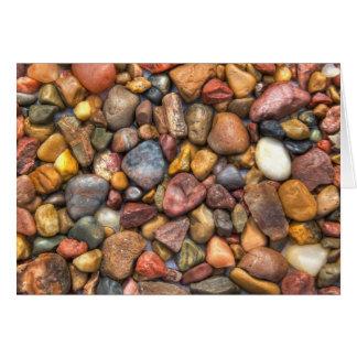 Cartão Rochas e seixos coloridos