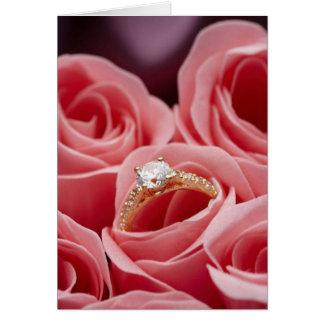 Cartão Rosas do anel de diamante