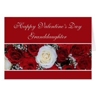 Cartão Rosas vermelhos e brancos do dia dos namorados da