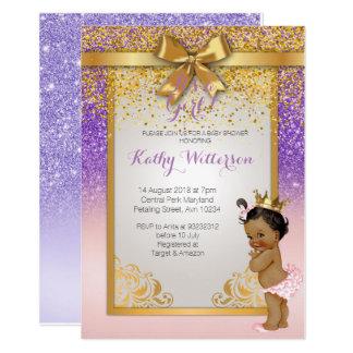 Cartão roxo cor-de-rosa do chá de fraldas do ouro