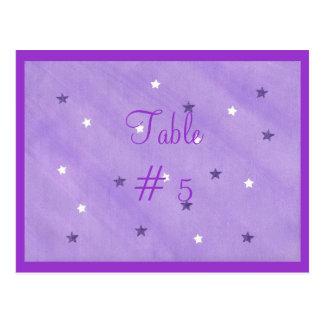 Cartão roxos e brancos do número da mesa das