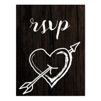 Cartão rústicos do rsvp do casamento da madeira de