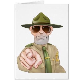 Cartão Sargento de broca irritado apontar
