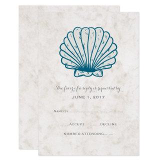Cartão Seashell rústico dos azuis marinhos que Wedding o
