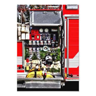Cartão Seletores e mangueiras no carro de bombeiros