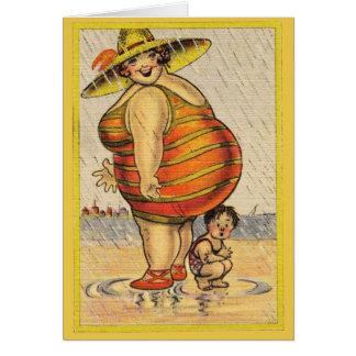 Cartão Senhora gorda engraçada na praia