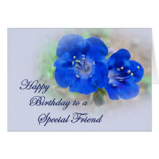 Cartão Serenade do aniversário em Wildflowers azuis