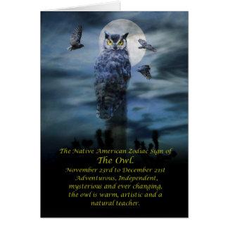 Cartão Sinal do zodíaco do nativo americano da coruja