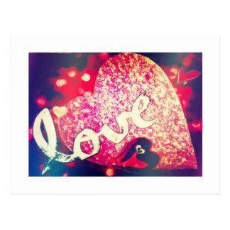 Cartão Sparkly do amor dos corações do presente do