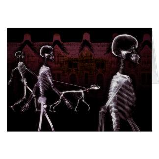 Cartão Stroll da meia-noite dos esqueletos do raio X