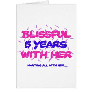 Cartão Tendendo o 5o design do aniversário do casamento