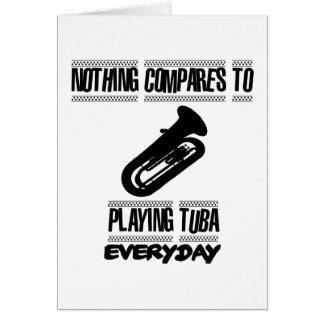 Cartão Tendendo o design do jogador da tuba