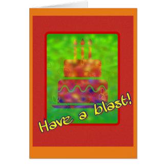 Cartão Tenha uma explosão! Aniversário do bolo de