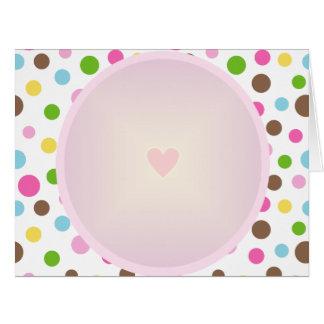 Cartão Teste padrão bonito do círculo com coração