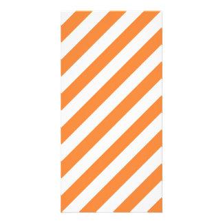 Cartão Teste padrão diagonal alaranjado e branco das