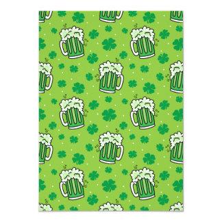 Cartão Teste padrão verde da cerveja do Dia de São