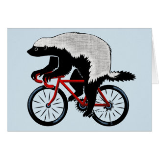 Cartão Texugo de mel em uma bicicleta