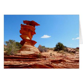 Cartão torcido da rocha
