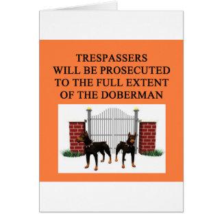 Cartão trespasser do doberman