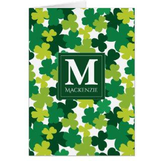 Cartão Trevos do dia de St Patrick Monogrammed