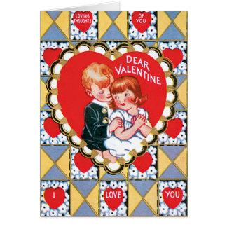 Cartão Triângulos e corações dos namorados do vintage
