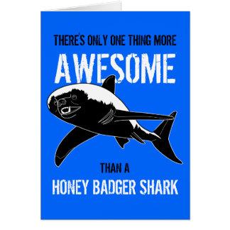 Cartão Tubarão do texugo de mel (aniversário)