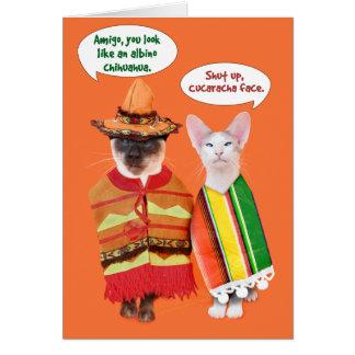 Cartão Um Cinco irritadiço de Mayo dos gatos