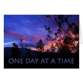 Cartão Um dia em um nascer do sol do primavera do tempo