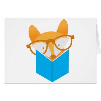 Cartão uma leitura bonito da raposa