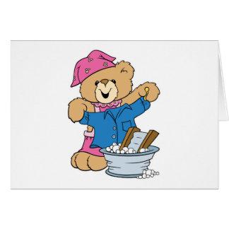 Cartão Urso bonito que faz a lavanderia