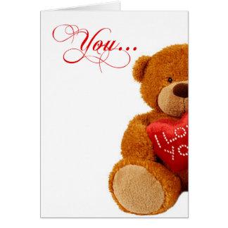 Cartão Urso de ursinho romântico do aniversário - você