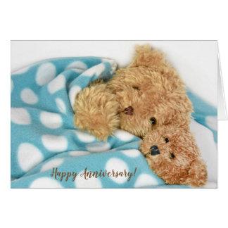 Cartão Ursos de ursinho snuggling do aniversário feliz