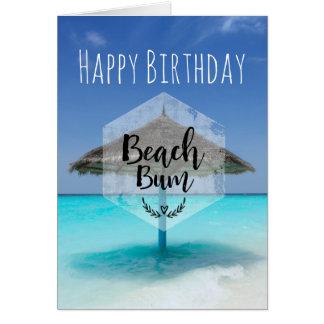 Cartão Vagabundo da praia com aniversário Thatched do