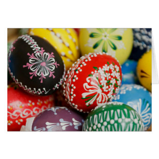 Cartão vazio dos ovos da páscoa pintados à mão