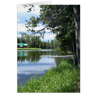 Cartão vazio, lago mountain, doca